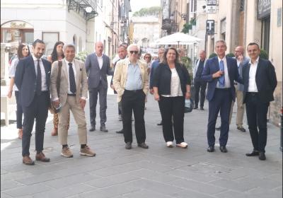 Spoleto: foto di gruppo per le vie del centro